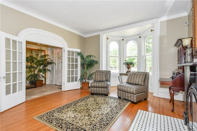 Detached at 135 Brant  Ave, Brantford, Ontario. Image 15