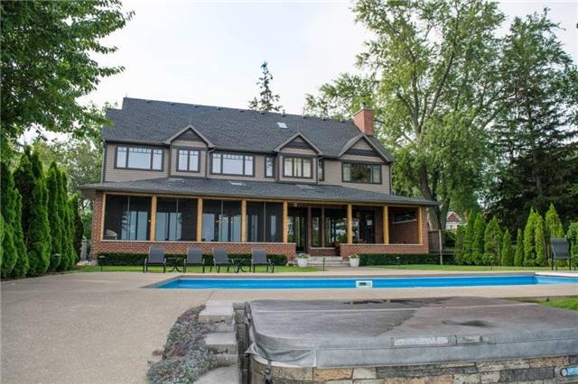 Detached at 70 Dalhousie Ave, St. Catharines, Ontario. Image 9