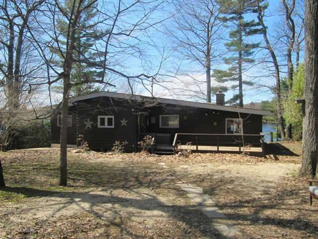 Detached at 1001 Dove Dr, Gravenhurst, Ontario. Image 8