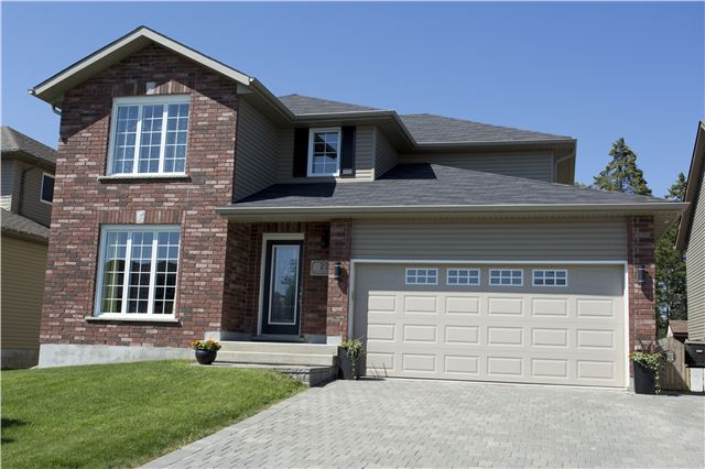 Detached at 22 Silverberry Crt, Lively, Ontario. Image 1