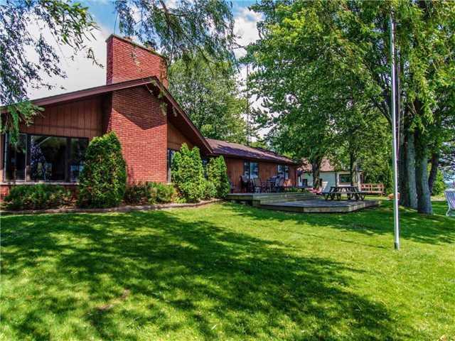 Detached at 89 Manor Rd, Kawartha Lakes, Ontario. Image 14