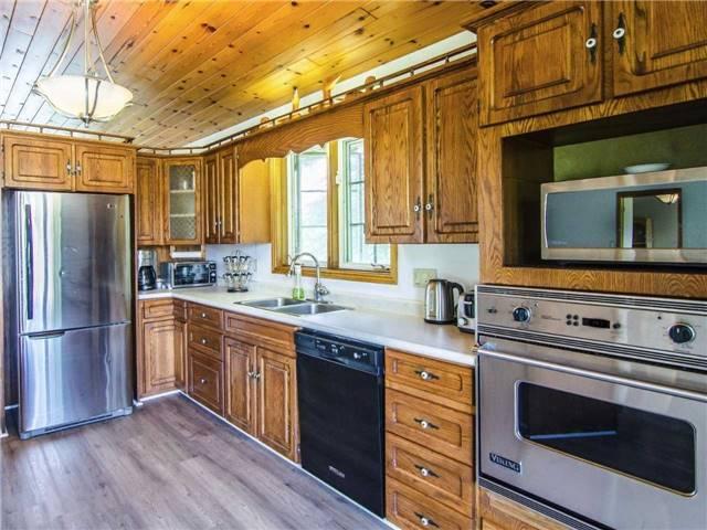Detached at 89 Manor Rd, Kawartha Lakes, Ontario. Image 15