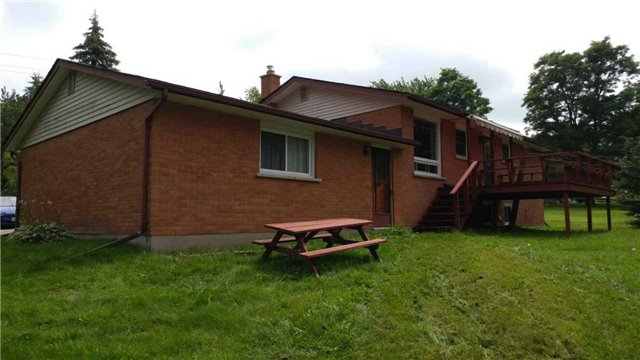 Detached at 1284 Tapley 1/4 Line, Cavan Monaghan, Ontario. Image 5