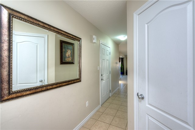 Semi-detached at 71 Curzon Cres, Guelph, Ontario. Image 14