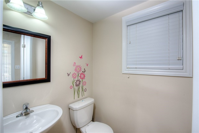 Semi-detached at 71 Curzon Cres, Guelph, Ontario. Image 15
