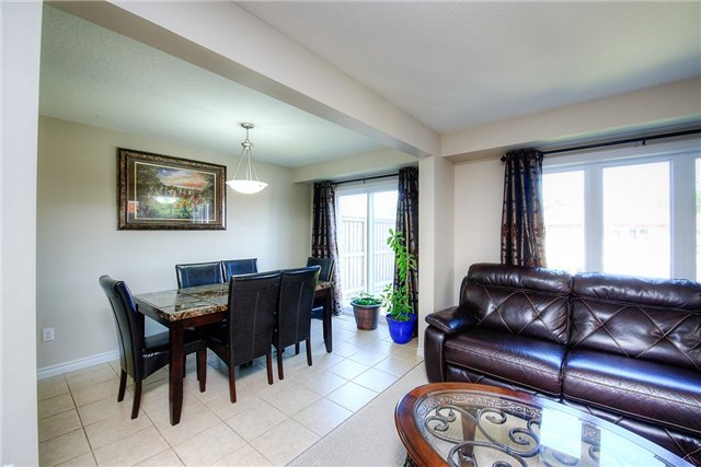 Semi-detached at 71 Curzon Cres, Guelph, Ontario. Image 17
