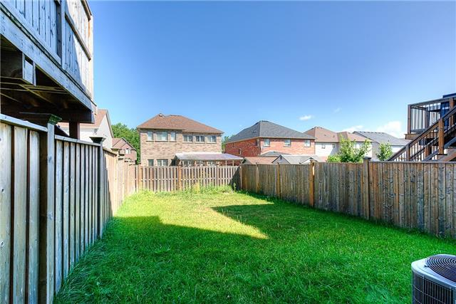 Semi-detached at 71 Curzon Cres, Guelph, Ontario. Image 13