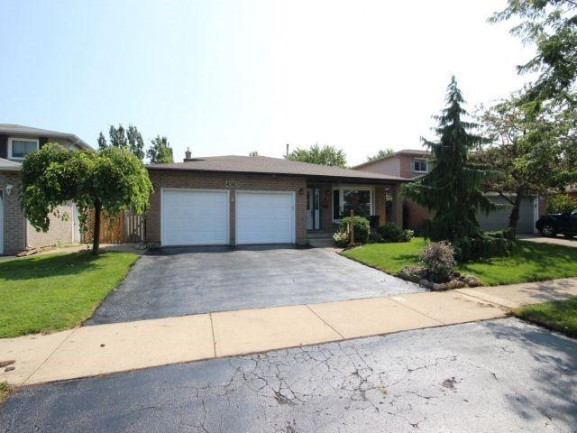 Detached at 4583 Cedarbrook Lane, Lincoln, Ontario. Image 1