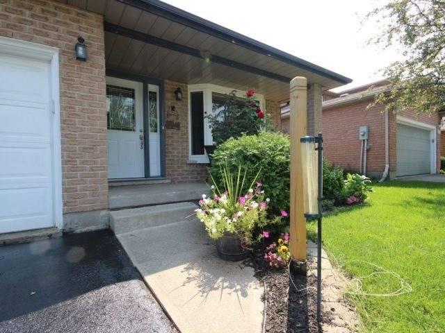 Detached at 4583 Cedarbrook Lane, Lincoln, Ontario. Image 12