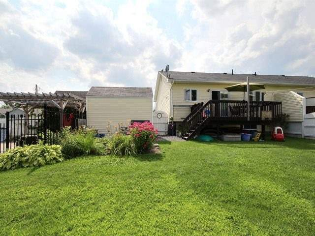 Semi-detached at 525 B Devista Blvd, Alfred & Plantagenet, Ontario. Image 13