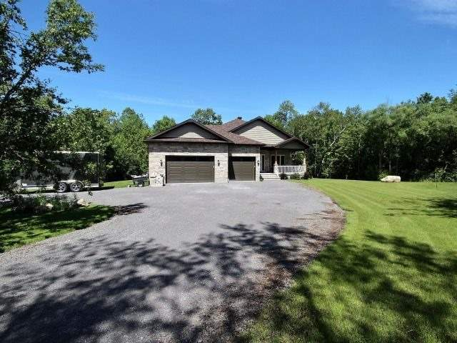 Detached at 176 Home Ave, Hawkesbury, Ontario. Image 8
