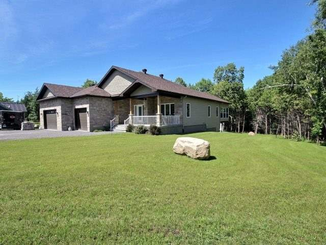 Detached at 176 Home Ave, Hawkesbury, Ontario. Image 9