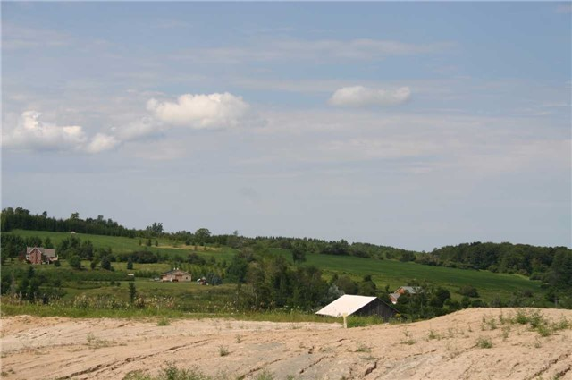 Detached at 568265 9 Sdrd, Mulmur, Ontario. Image 16