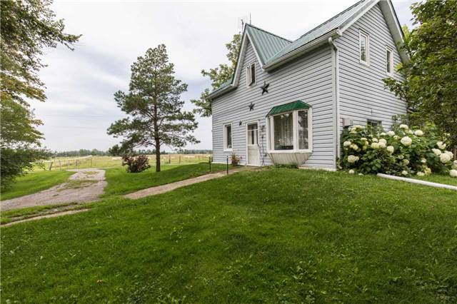Detached at 402415 Concession 10-11 Sdrd, East Luther Grand Valley, Ontario. Image 1