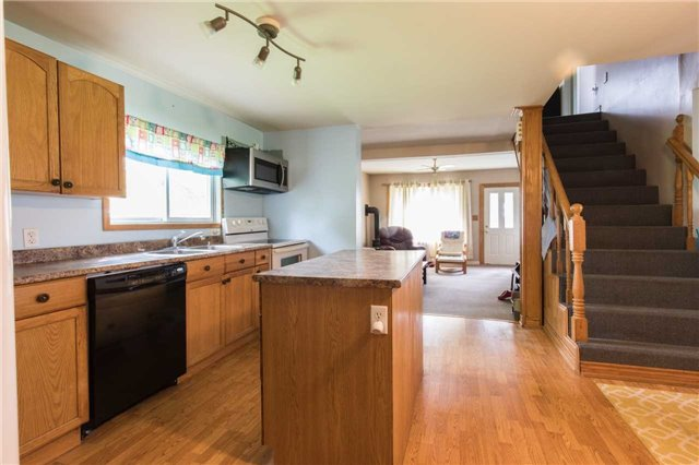 Detached at 402415 Concession 10-11 Sdrd, East Luther Grand Valley, Ontario. Image 16