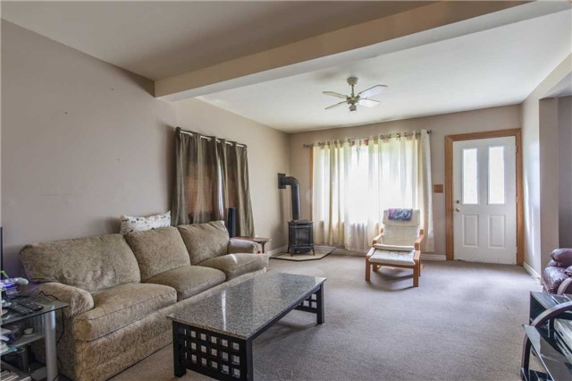 Detached at 402415 Concession 10-11 Sdrd, East Luther Grand Valley, Ontario. Image 3
