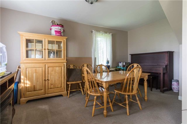 Detached at 402415 Concession 10-11 Sdrd, East Luther Grand Valley, Ontario. Image 5