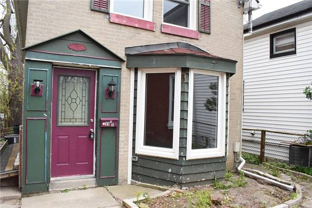 Detached at 35 1/2 Brock St, Brantford, Ontario. Image 10