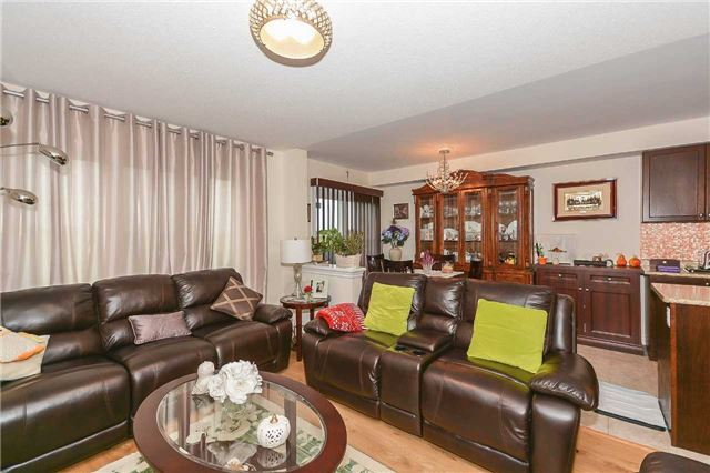 Townhouse at 823 Cook Cres, Shelburne, Ontario. Image 12