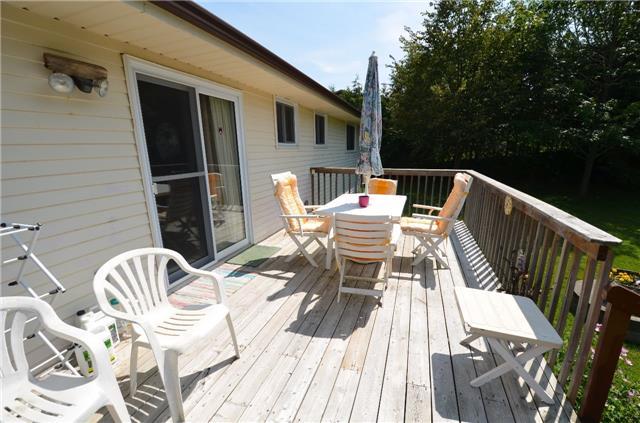 Detached at 926 Frank Hill Rd, Kawartha Lakes, Ontario. Image 17