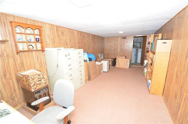 Detached at 926 Frank Hill Rd, Kawartha Lakes, Ontario. Image 5