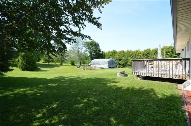 Detached at 926 Frank Hill Rd, Kawartha Lakes, Ontario. Image 10