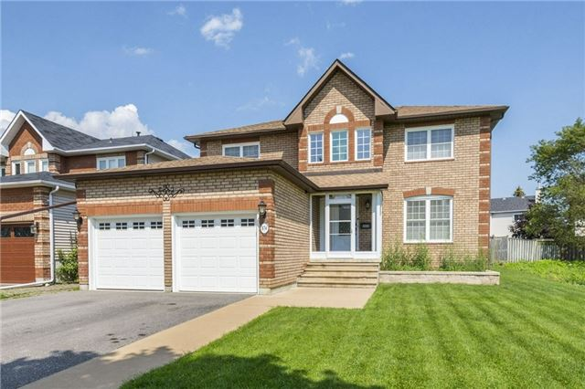 Detached at 874 Battell St, Cobourg, Ontario. Image 1