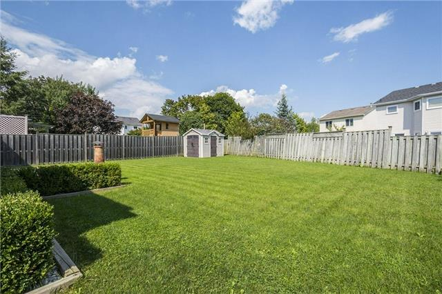 Detached at 874 Battell St, Cobourg, Ontario. Image 14