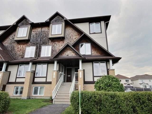 Condo Townhouse at 743 Lakeridge Dr, Ottawa, Ontario. Image 1