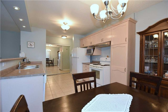 Condo Apartment at 612 Grey St, Unit #20, Brantford, Ontario. Image 13