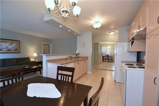 Condo Apartment at 612 Grey St, Unit #20, Brantford, Ontario. Image 14