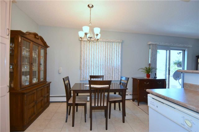 Condo Apartment at 612 Grey St, Unit #20, Brantford, Ontario. Image 16