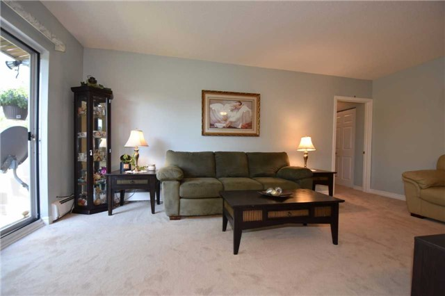 Condo Apartment at 612 Grey St, Unit #20, Brantford, Ontario. Image 18