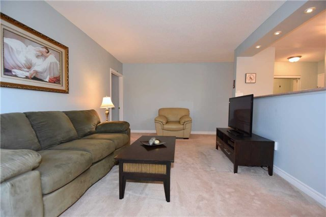 Condo Apartment at 612 Grey St, Unit #20, Brantford, Ontario. Image 19