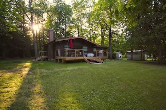 Detached at 6 Cardinal Dr, Kawartha Lakes, Ontario. Image 3