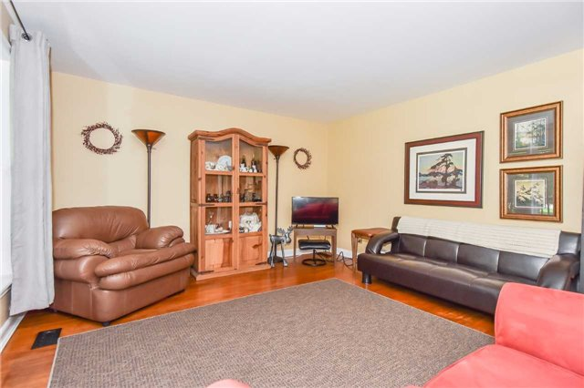 Detached at 3670 Beaverdale Rd N, Cambridge, Ontario. Image 16