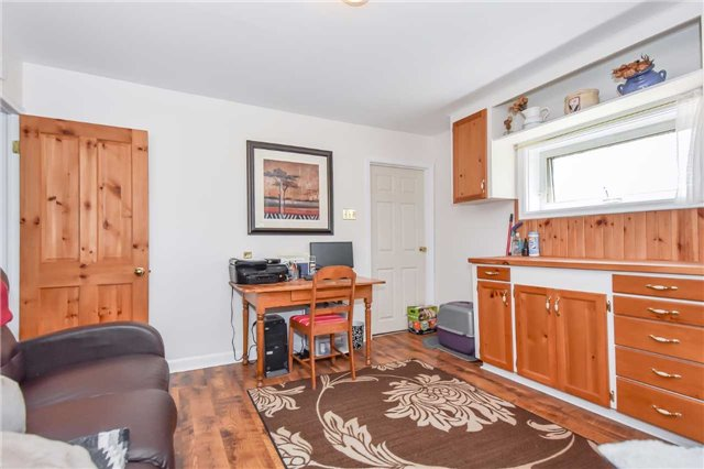 Detached at 3670 Beaverdale Rd N, Cambridge, Ontario. Image 8