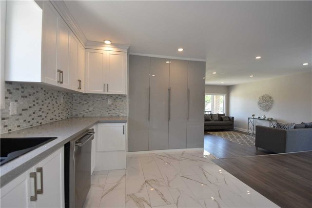 Detached at 334 Templemead Dr, Hamilton, Ontario. Image 15
