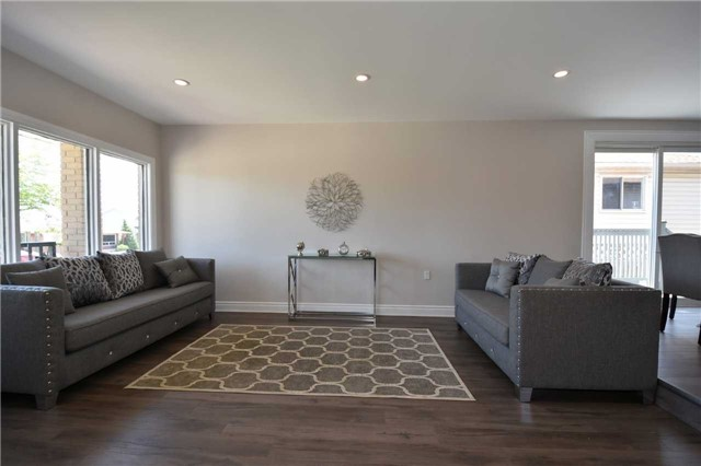Detached at 334 Templemead Dr, Hamilton, Ontario. Image 19