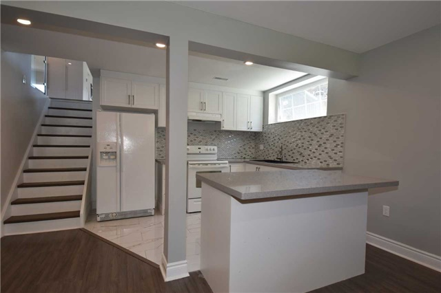 Detached at 334 Templemead Dr, Hamilton, Ontario. Image 9