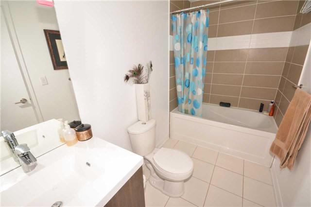 Condo Apartment at 85 Duke St W, Unit 904, Kitchener, Ontario. Image 4