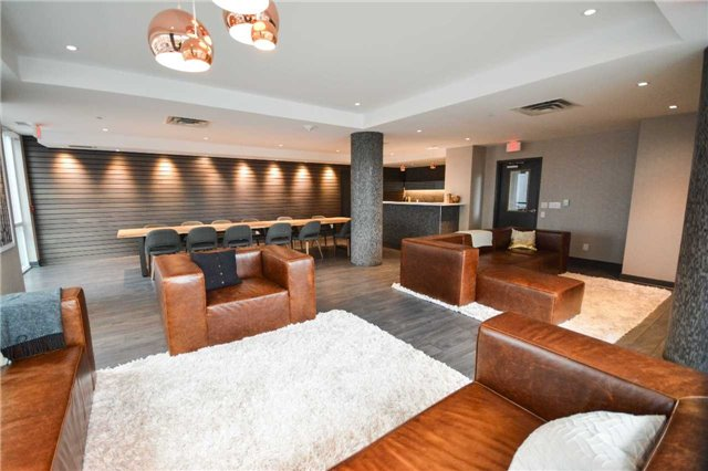 Condo Apartment at 85 Duke St W, Unit 904, Kitchener, Ontario. Image 9