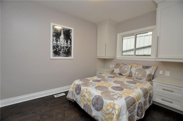 Detached at 644 Vine St, St. Catharines, Ontario. Image 20