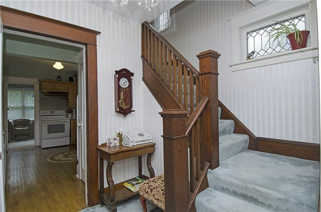 Detached at 185 St. George St W, Centre Wellington, Ontario. Image 11