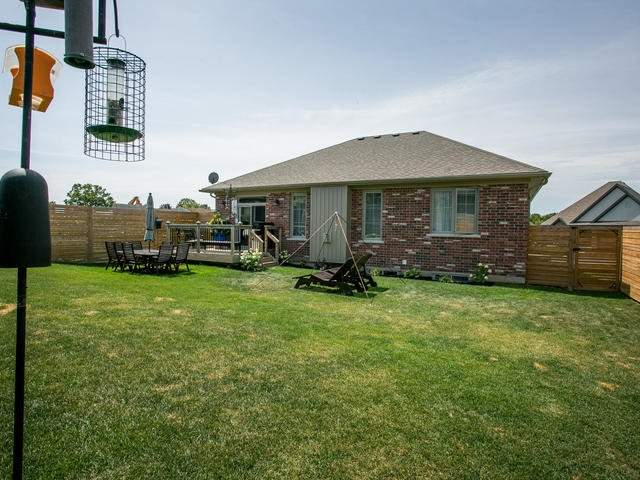 Detached at 21 Rosslyn Dr, Brighton, Ontario. Image 10