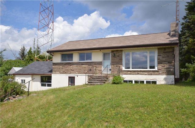 Detached at 5227 Trafalgar Rd, Erin, Ontario. Image 1