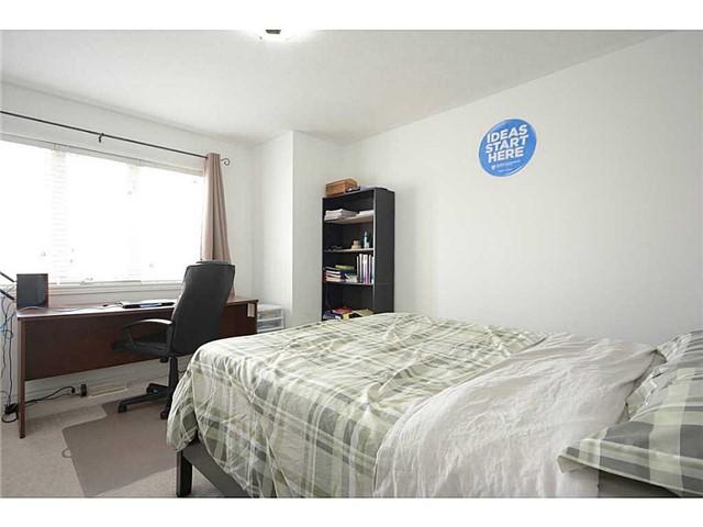 Detached at 107 San Felice Crt, Hamilton, Ontario. Image 4