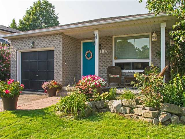 Link at 104 Sandra Cres, Grimsby, Ontario. Image 12