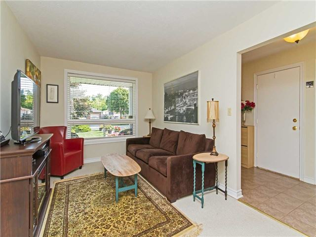 Link at 104 Sandra Cres, Grimsby, Ontario. Image 15