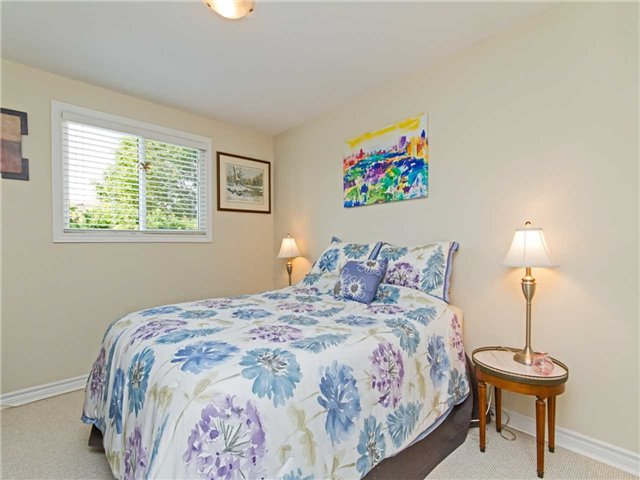 Link at 104 Sandra Cres, Grimsby, Ontario. Image 4
